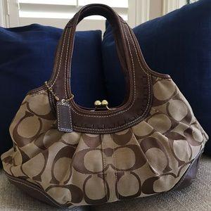 Medium sized authentic Coach purse - Brown/Beige